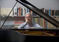 Le pianiste Christian Blackshaw dans des sonates de Mozart de très haut niveau d'interprétation